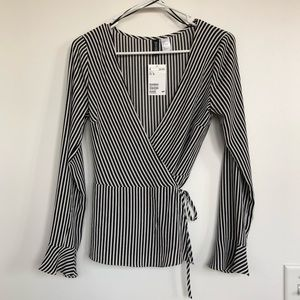 Black and white wrap long sleeve